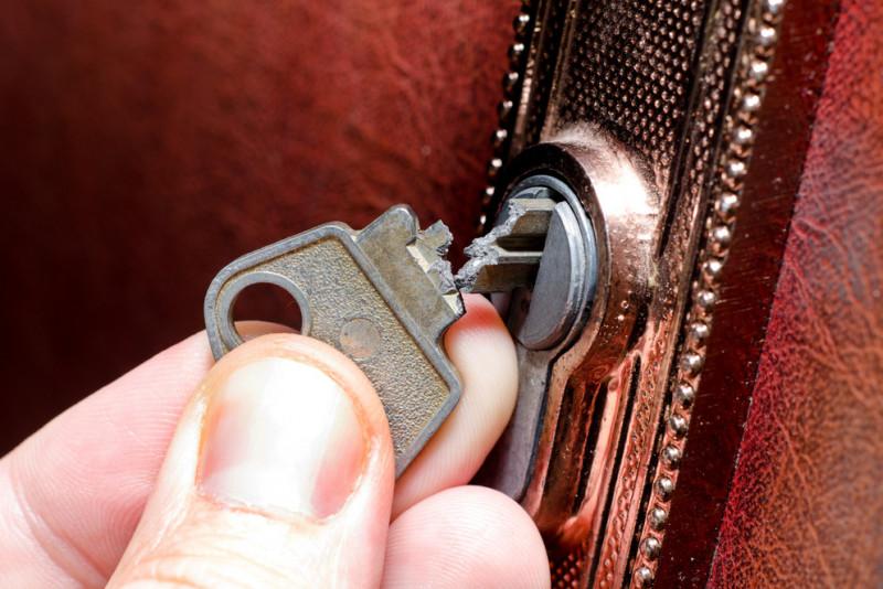 Credenza Con Chiavi : Come estrarre una chiave rotta nella serratura fai da te mania