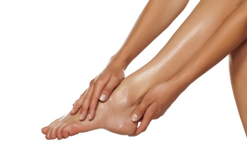 Ferite tra le dita dei piedi: rimedi naturali