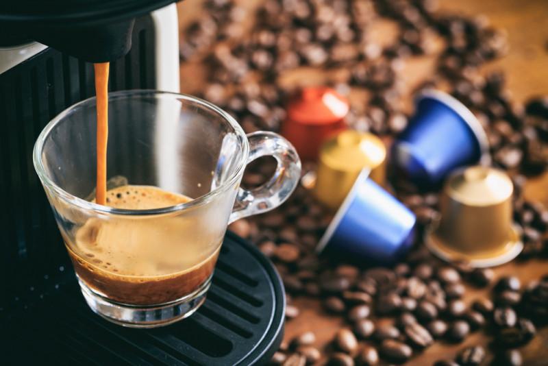 Come controllare la pompa di pressione nella macchina caffè espresso