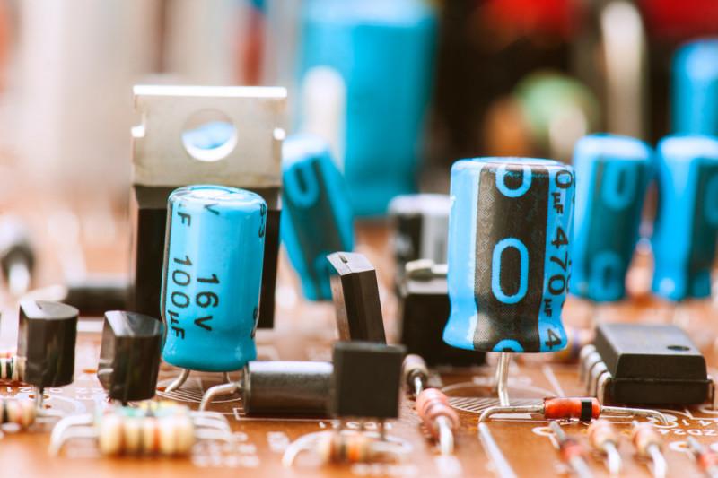 Come verificare l'integrità di un condensatore