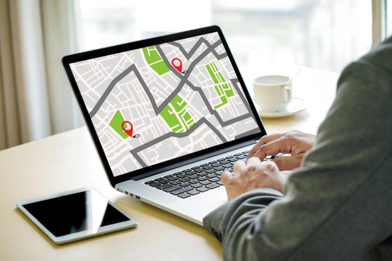 Come localizzare l'automobile con smartphone con GPS