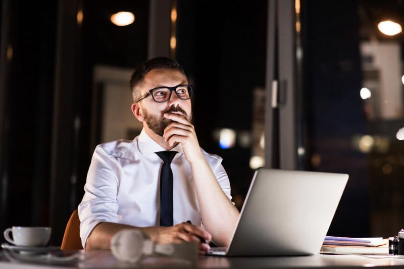 Come si calcola il guadagno netto di un'ora di lavoro straordinario