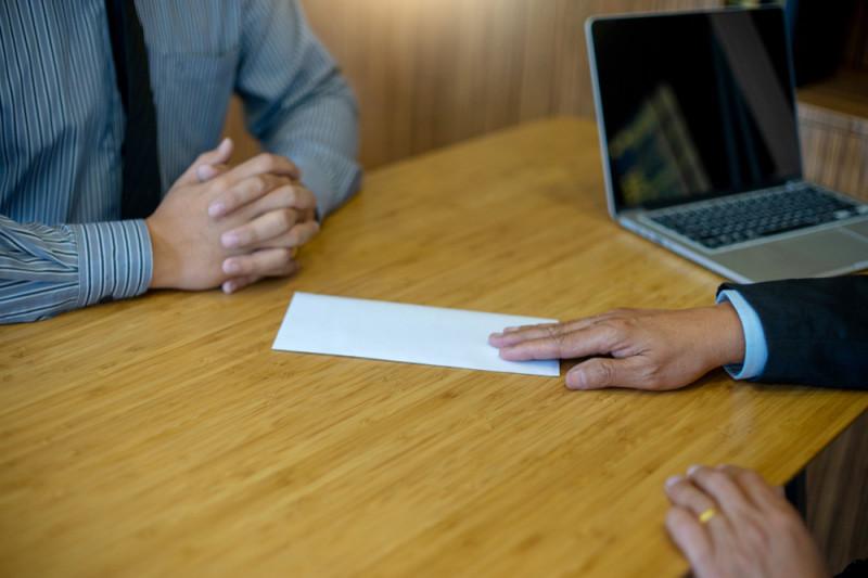 Come licenziarsi da un contratto a tempo indeterminato