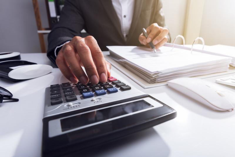 Come calcolare la paga oraria