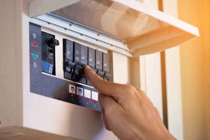 Come controllare l'efficienza della messa a terra impianto elettrico di casa