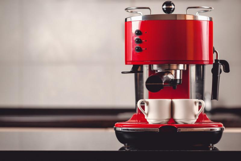 Come riparare la macchina da caffè espresso che non scalda l'acqua