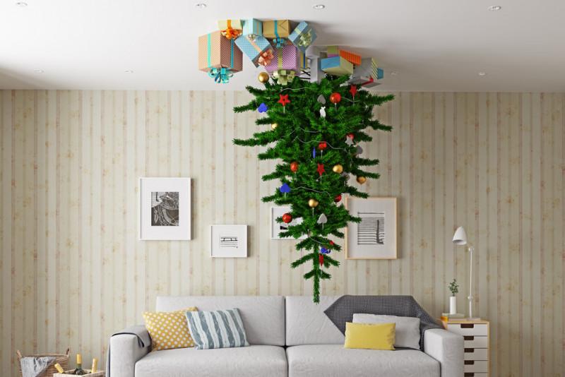 Come appendere un albero di Natale al soffitto
