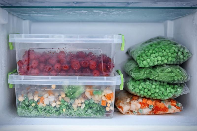 Come sbrinare il congelatore senza spegnere il frigo