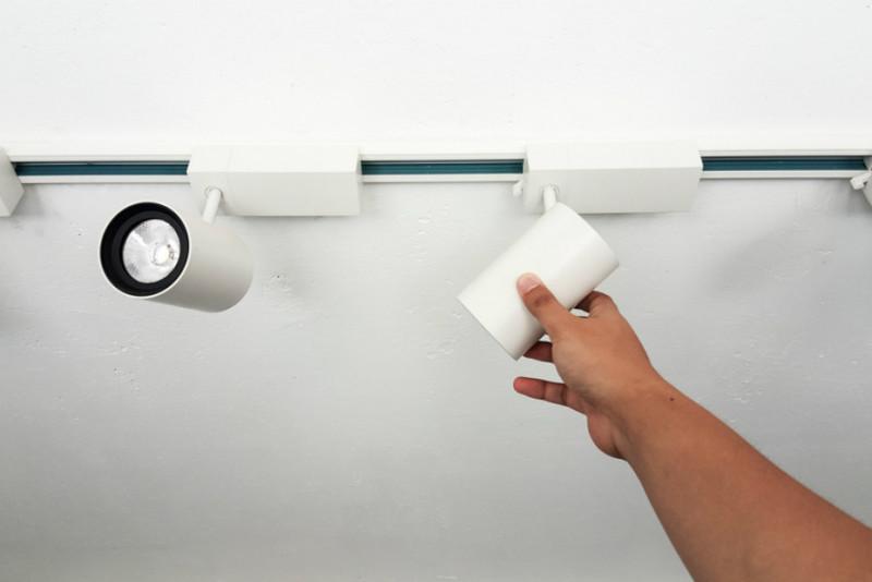Come sostituire le lampadine dei faretti