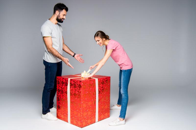 Come realizzare un pacco regalo gigante