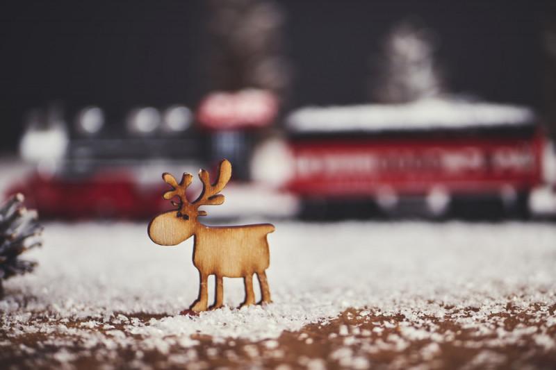 Come realizzare una piccola renna natalizia in legno