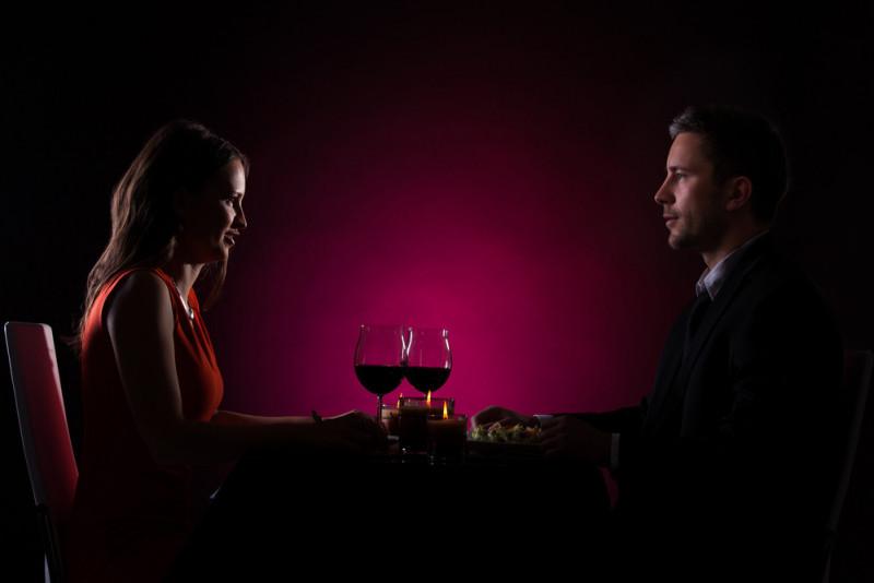 Come organizzare una cena sensoriale