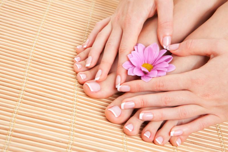 Come curare le unghie gialle dei piedi in casa
