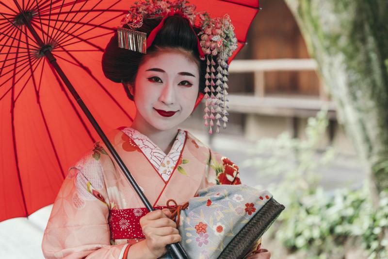 Come realizzare un costume da geisha per Carnevale
