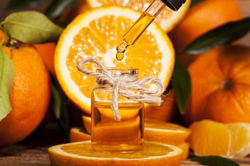 Come preparare l'olio di arancio