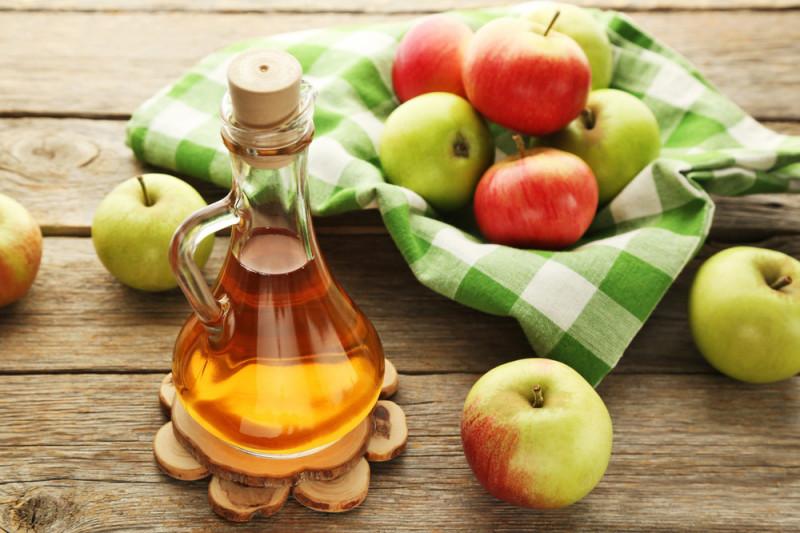 Come utilizzare l'aceto di mele per la cellulite