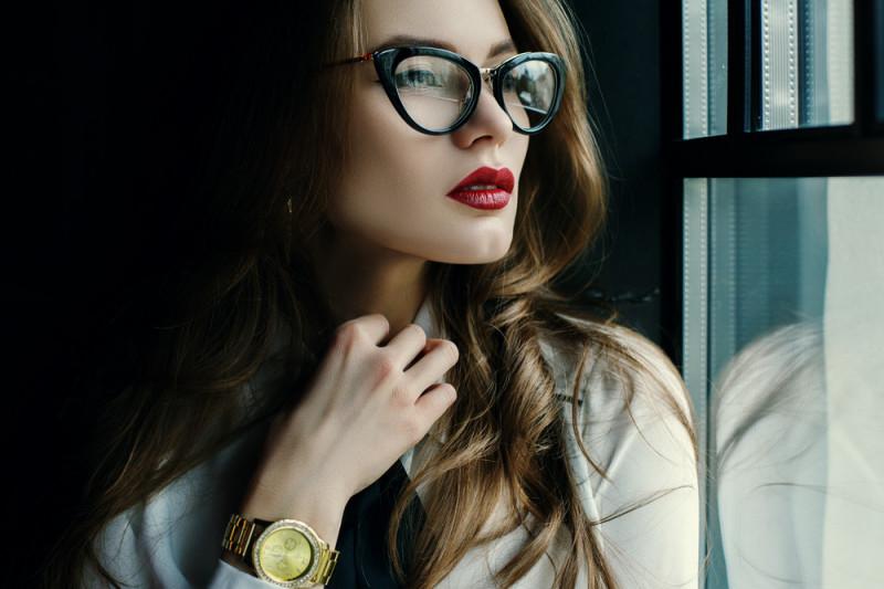 Come scegliere gli occhiali da vista in base alla forma del viso
