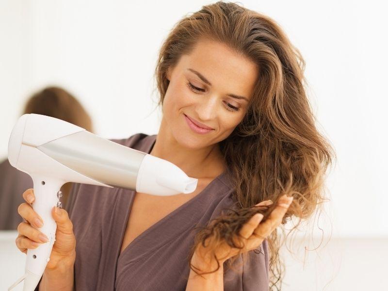 Come asciugare i capelli scalati