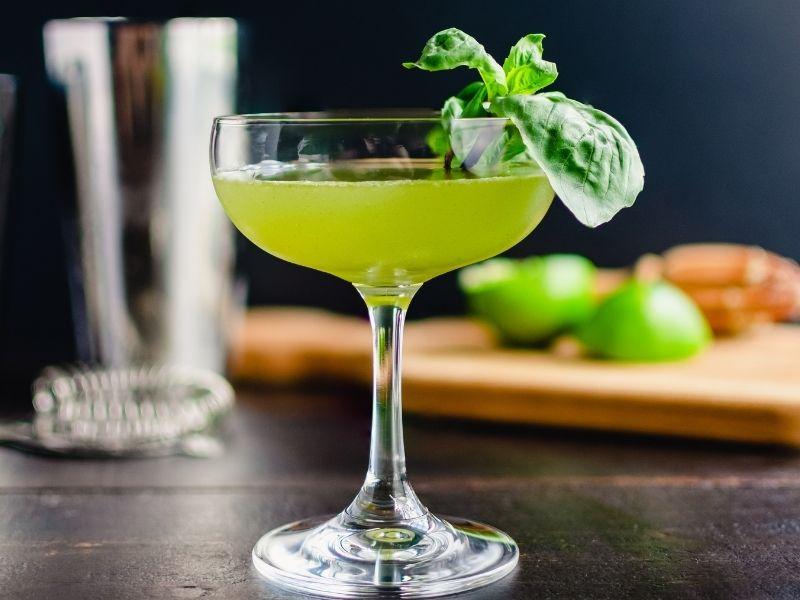 Come fare il liquore al basilico