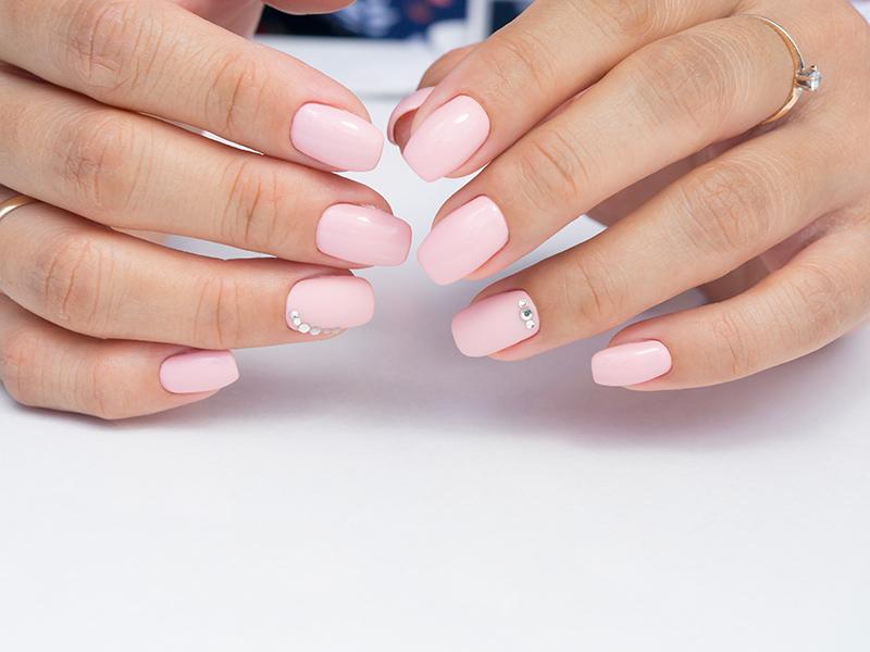Come fare la ricostruzione delle unghie