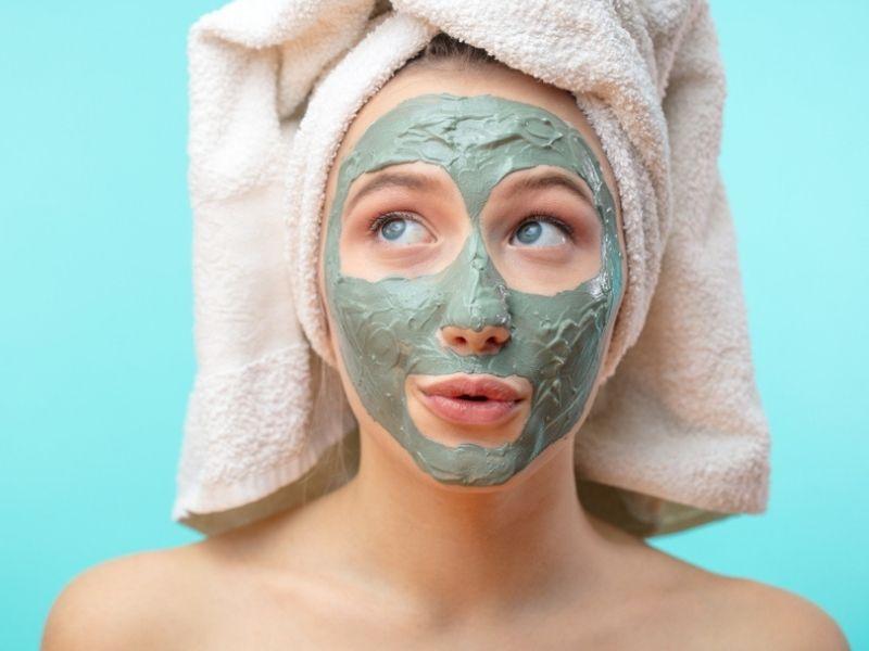 Come fare una maschera per il viso all'argilla