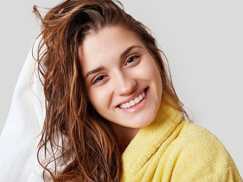 Come lavare i capelli a secco