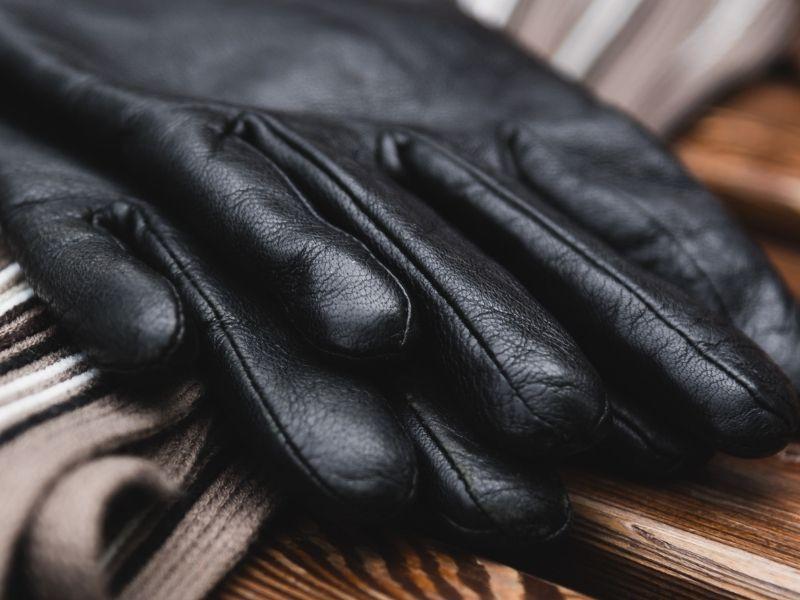 Come lavare i guanti di pelle
