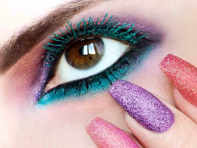 Come usare il mascara colorato