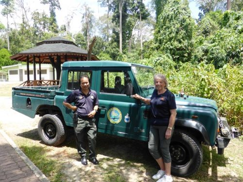 Sue with head ranger Elis in front of the old Land Rover