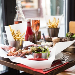LES PINCES ร้านอาหารล็อบสเตอร์แห่งแรกในปารีส