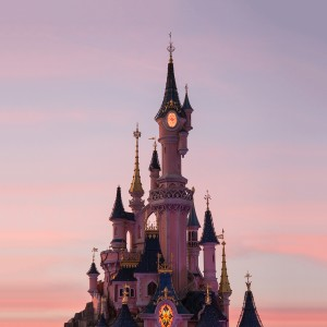 DISNEYLAND PARIS : THE SPECIAL INVITATION TO A DREAMLAND
