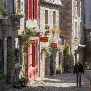 DINAN : A hidden town of fairy tale in Bretagne