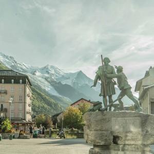 CHAMONIX-MONT-BLANC:滑雪胜地霞慕尼勃朗峰的难忘之旅