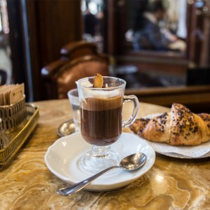 DRINK LIKE A TORINESE : BEST 5 CAFES FOR BICERIN, GIANDUIOTTO, AND GELATO