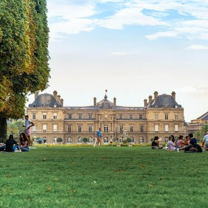 TOP 7 PLACES TO ENJOY A PERFECT PICNIC IN PARIS