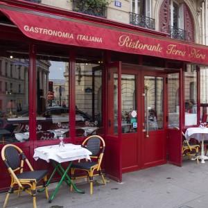 エミリー、パリへ行く : ガブリエルのレストラン