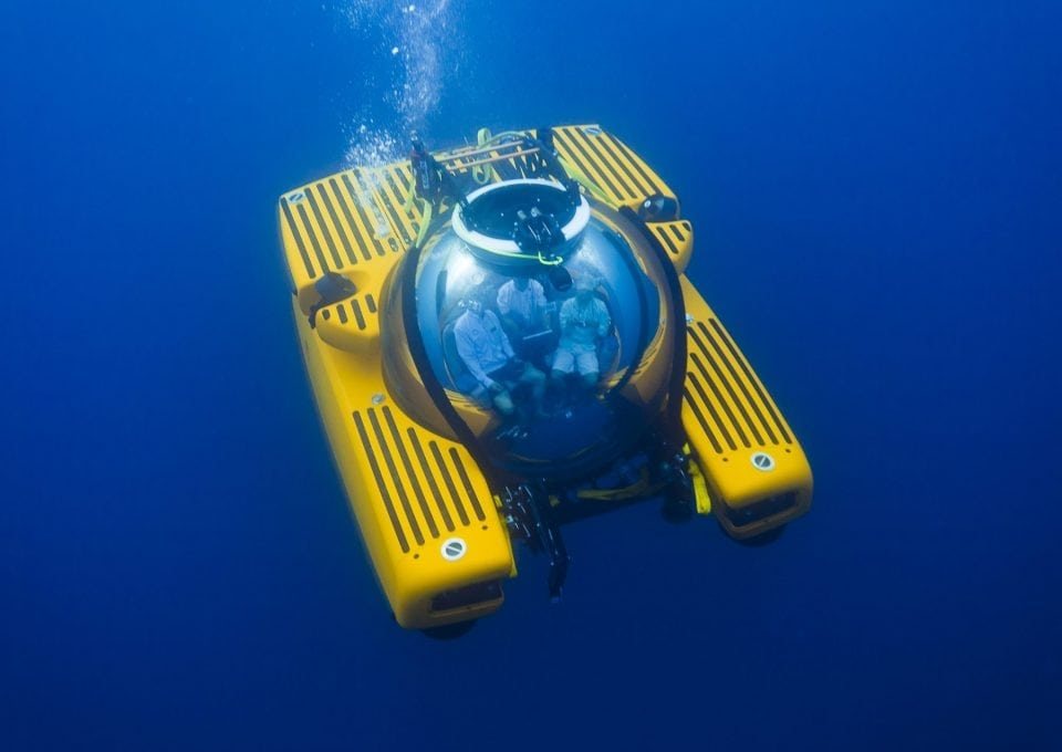 triton-3300-diving-submersible-deep-sea-photography