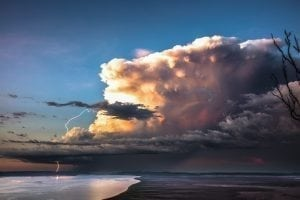 rolling-clouds-storm-photograph