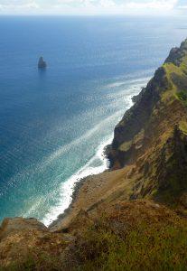 Easter-isalnd-seascape-landscape-rapa-nui