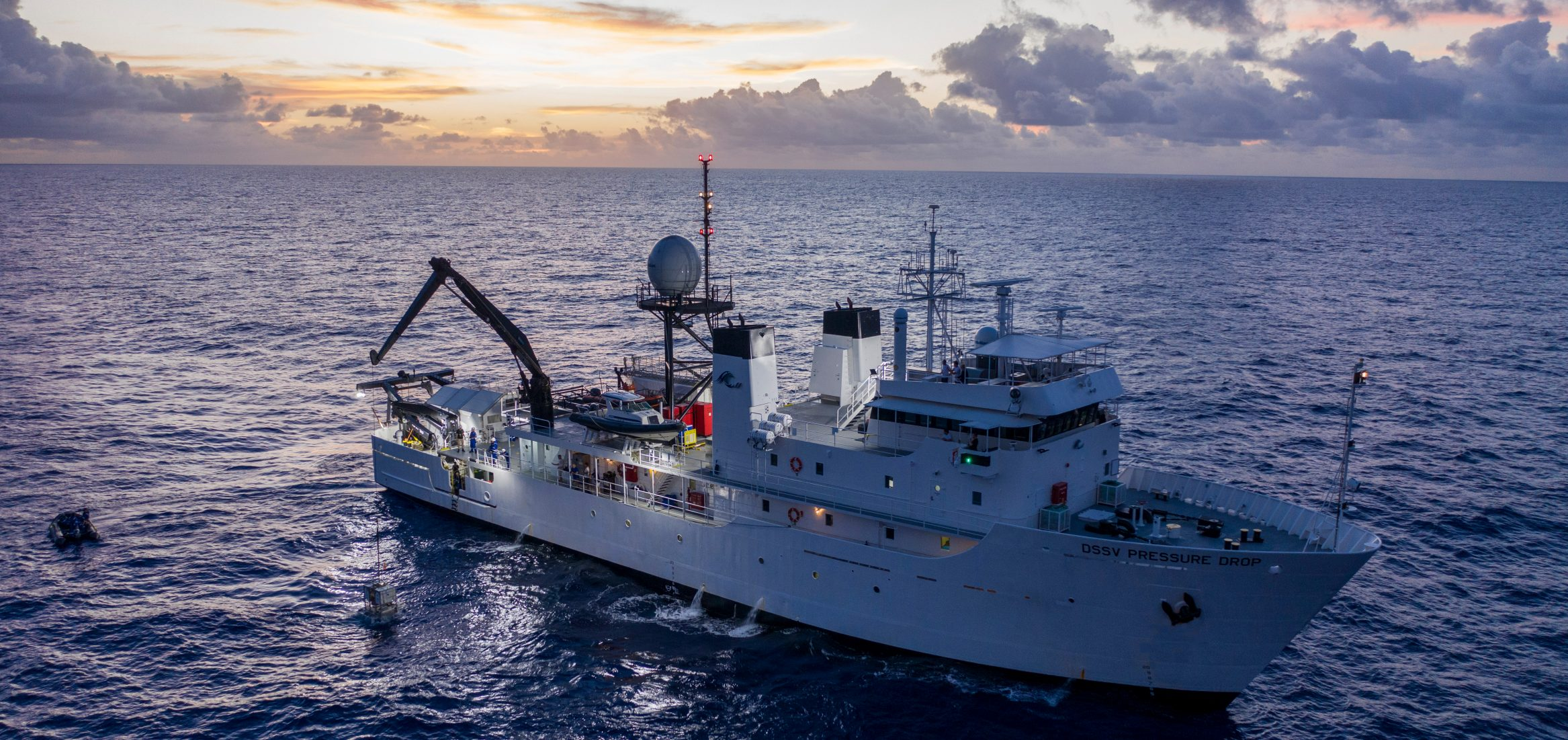 deep-sea-expedition-DSSV-Pressure-Drop-Mariana-Trench