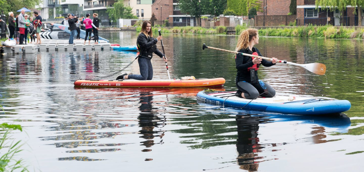 Lizzie-carr-plastic-patrol-paddleboarding-hackney-marshes