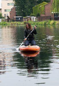 Lizzie-carr-plastic-patrol-paddleboarding-hackney