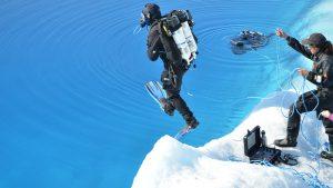 Andy-torbet-adventurer-ice-diving