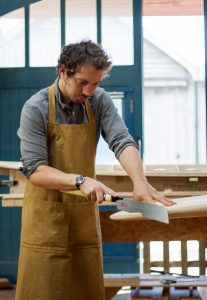 Otter-wooden-Surfboards-surf-James-cutting