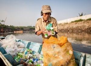 Liz Bonnin Plastic Pollution Indonesia
