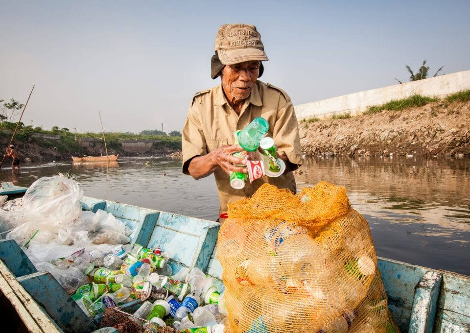Liz Bonnin Plastic Pollution Indonesia