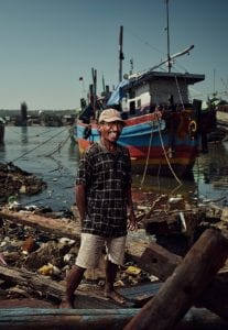 Tom Barnes Indonesia fishermen