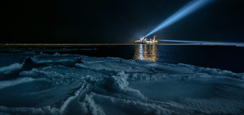 polar night arctic light pollution marine organisms research ship