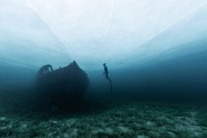 Ice diving, Canada, free diver