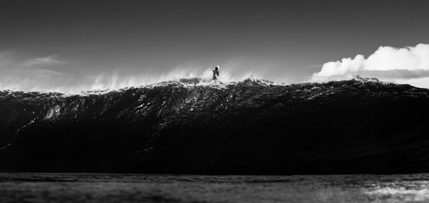 ACOTE extreme surfing iceland black and white